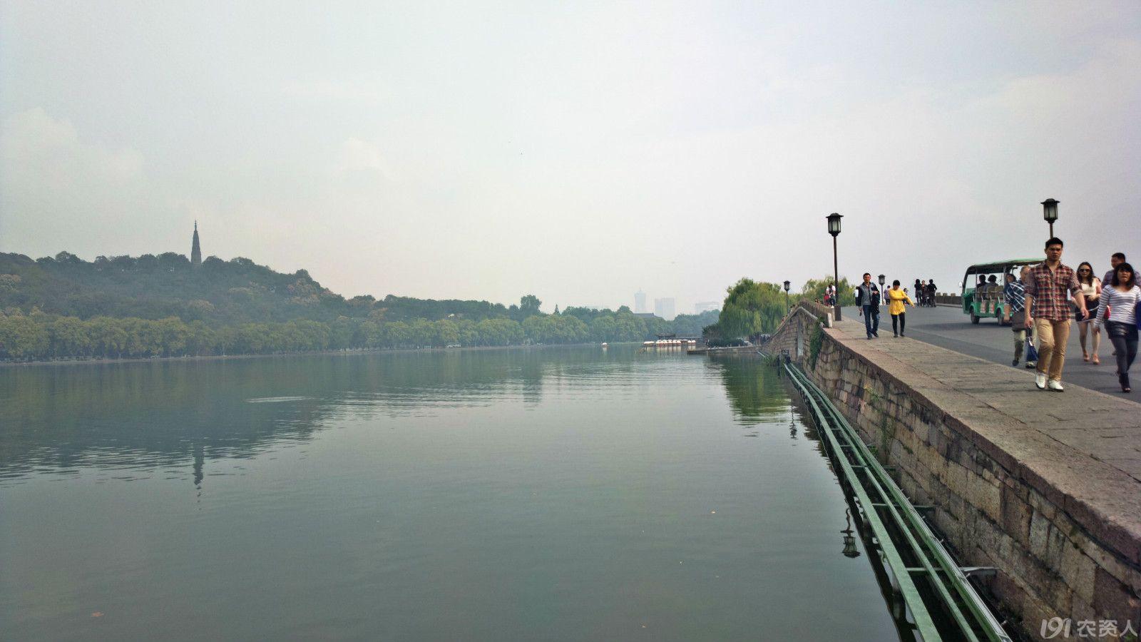 嫁衣还有cosplay潮玩秋色   杭州西湖之断桥秋景   西湖秋色高清图片