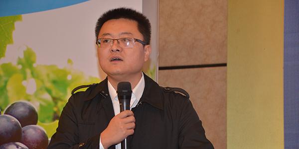 191葡萄服务中心特约技术顾问李春雨